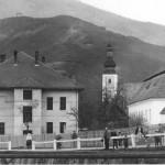 Dnešný Kultúrny dom v pozadí s Kostolom sv. Martina
