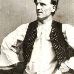 Muž v terchovskom kroji