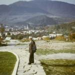 Jozef Šabo pri soche Jánošíka