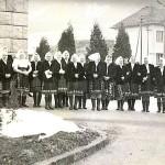 Terchovské ženy pred kostolom