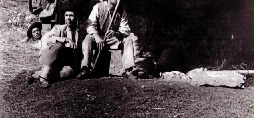 Zbojníci sedia